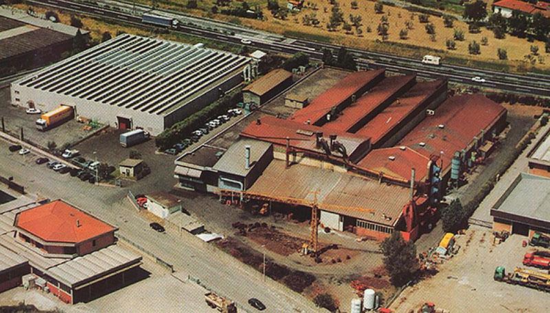 Azienda stabilimento anni 80